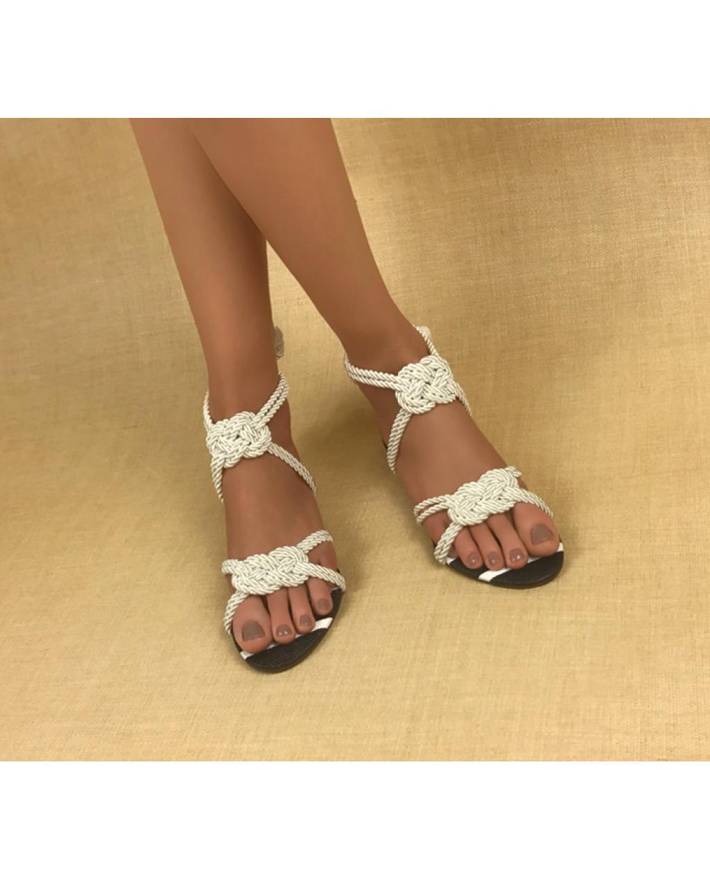 Sandálias Flats